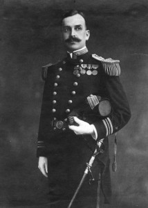 arthur-macarthur-iii-as-lieutenant-commander-photo-001