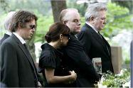 Tödliche Entscheidung - Before the Devil Knows You're Dead Bild Albert Finney,