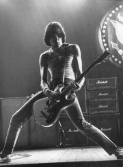 JohnnyRamone.  Up, and down.  With the air.