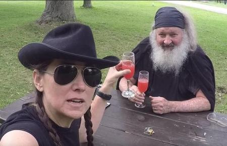 Randy Quaid with his wife Evi.