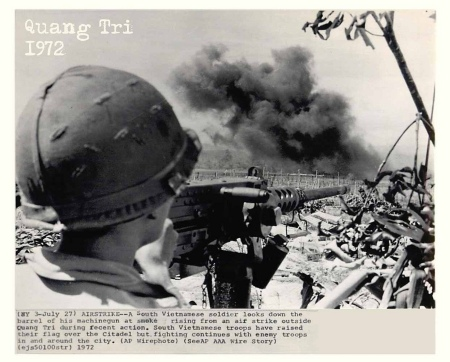 Quang Tri 1972 - South Vietnamese Soldier Watches Air Strike at Quang Tri - Press Photo.jpg