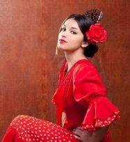 0(Flamenco 0Dancer) A pieneta is a type of hair comb worn by Spanish women.